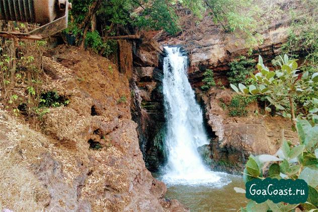 Водопад Арвалем