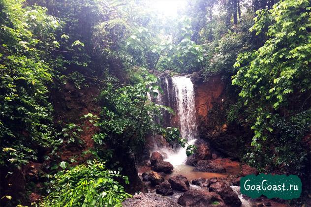 Водопад и источник Кесарвал